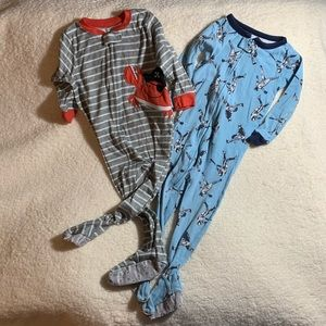Set of TWO Zip-Up Footed Sleepers size 2T